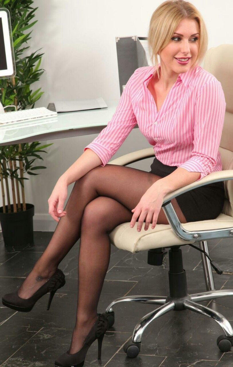 With you girl short office skirt