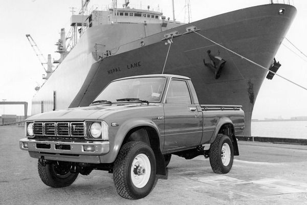 100 greatest japanese cars of all time toyota pickup 4x4 toyota and 4x4. Black Bedroom Furniture Sets. Home Design Ideas