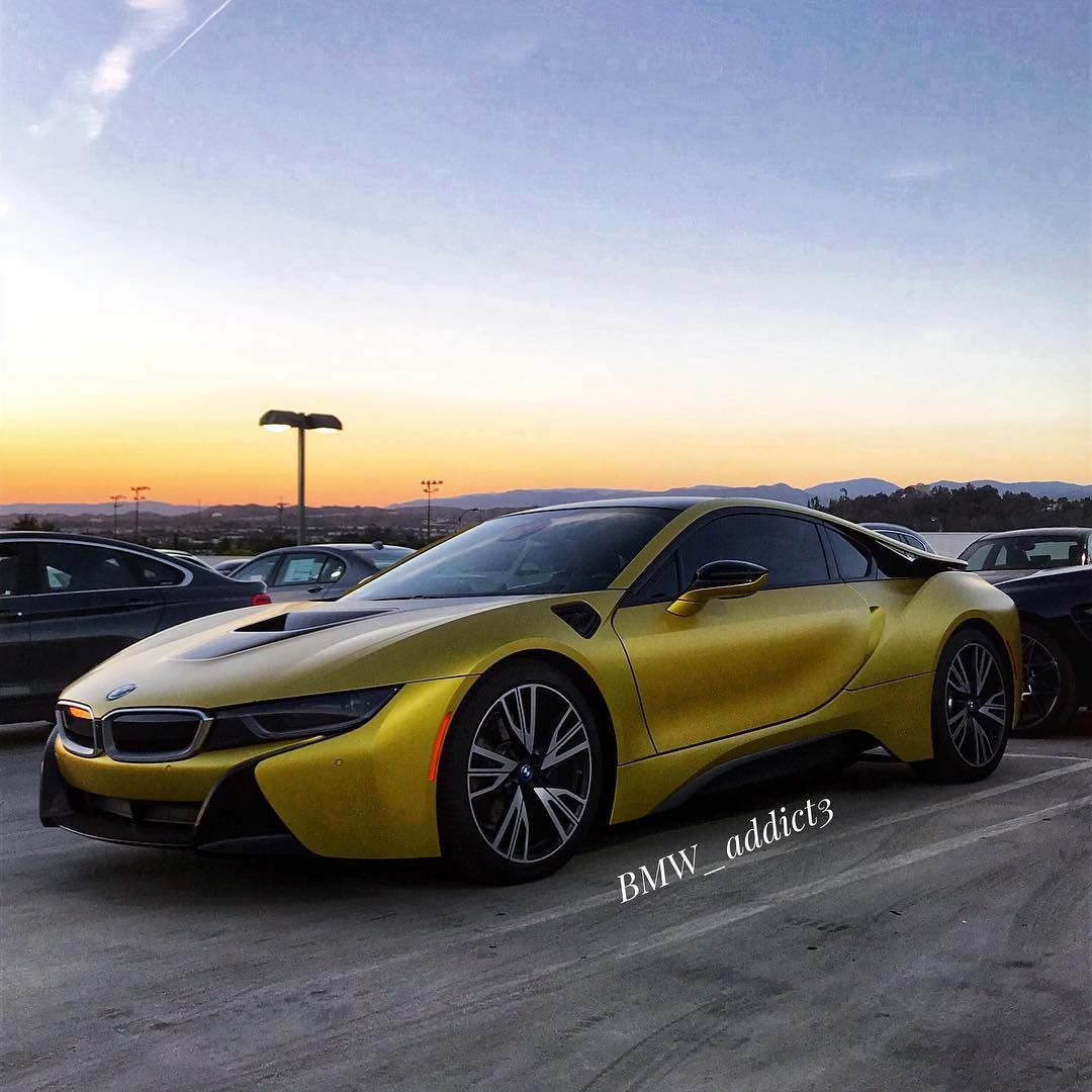 Special Treat 2018 I8 I8 Gold Bmw Supercars Track