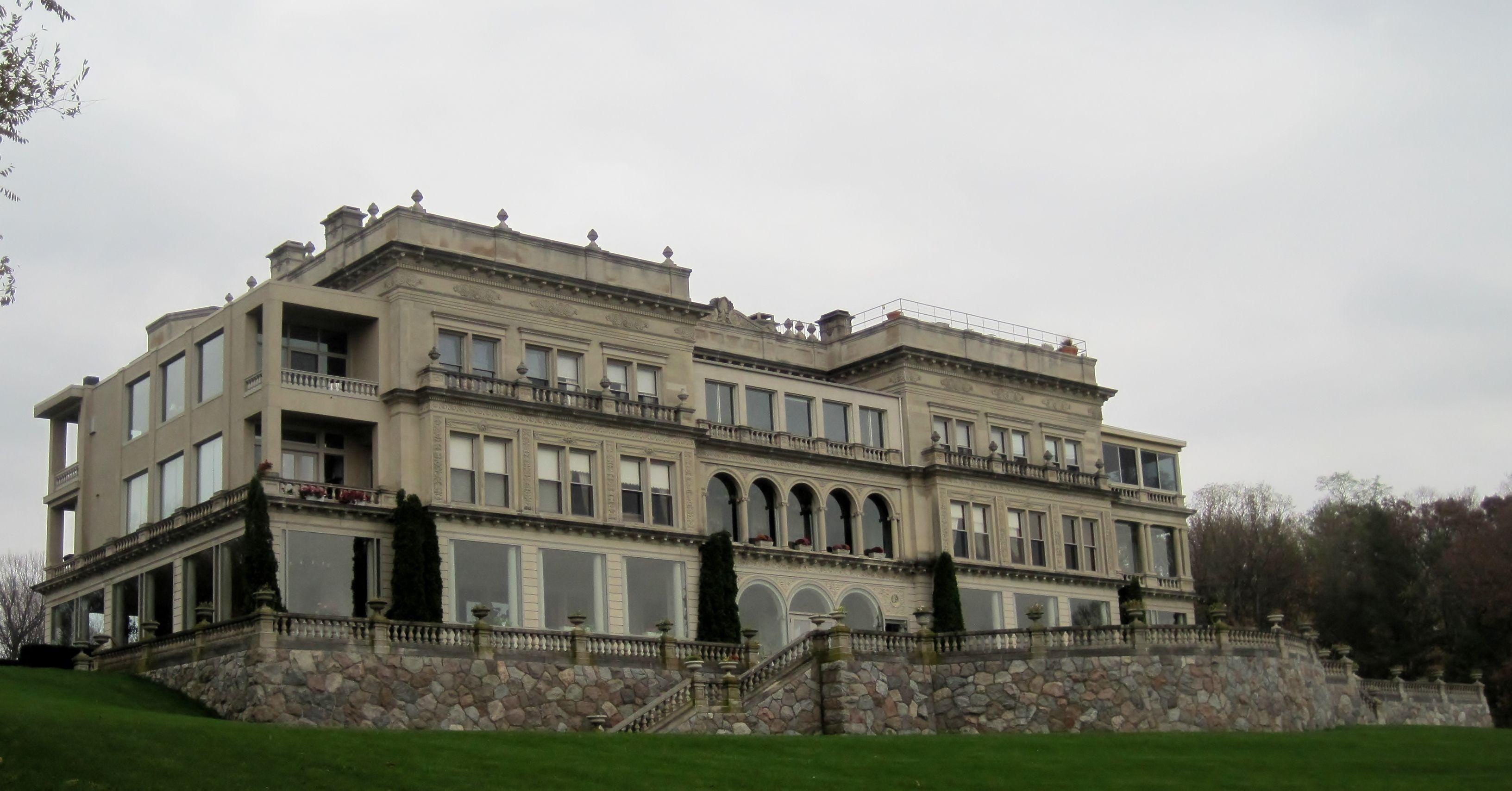 Youngland Manor on Lake Geneva 0ab95f2b3d