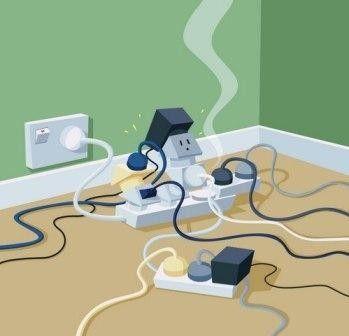 Перегрузка электросети частая причина, приводящая к отключению подачи электроэнергии и вызывающая неисправности электропроводки.