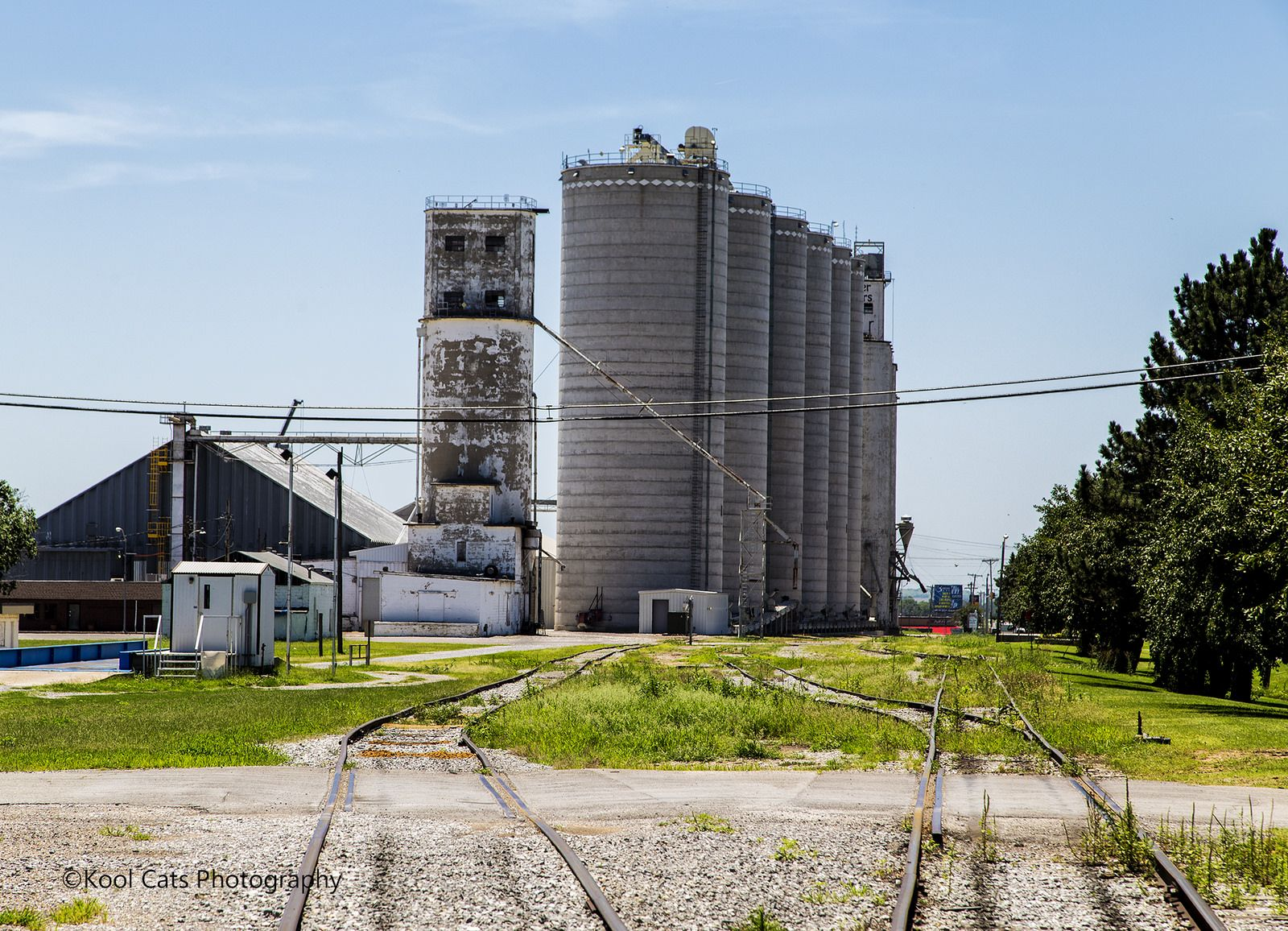 https://flic.kr/p/vKDrQo | The Silos | These old silos are used for agricultural purposes in any farming community, especially in Oklahoma.