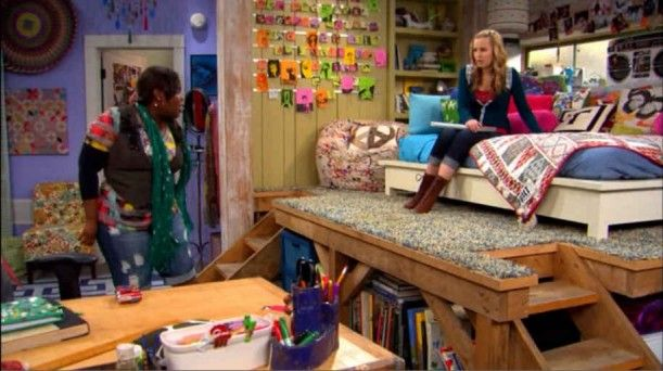 Teddy Duncan's 'Good Luck Charlie' Bedroom | Bedrooms, Magazines and Room