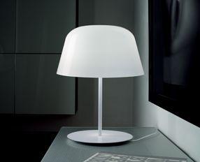 AYERS T38 - Lampada da tavolo in vetro soffiato lucido, nero, bianco e rosso. Strutture in metallo verniciato bianco, rosso e nero.