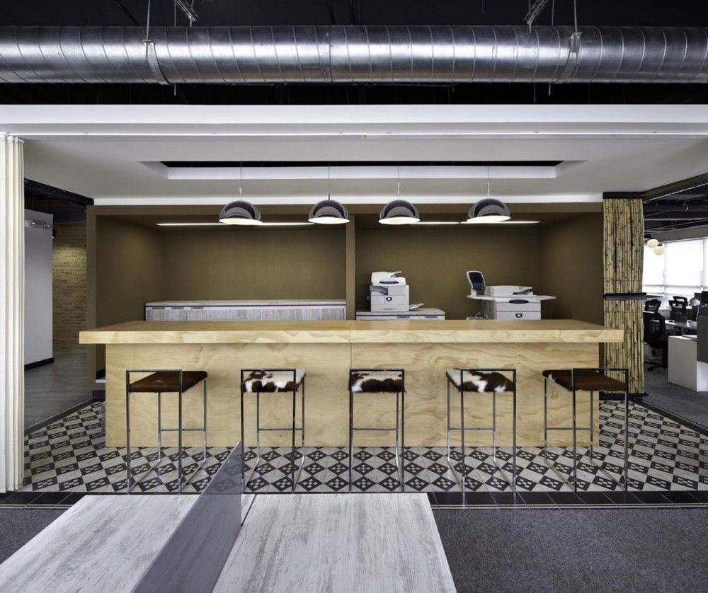 Jwt bogotá headquarters aei arquitectura e interiores