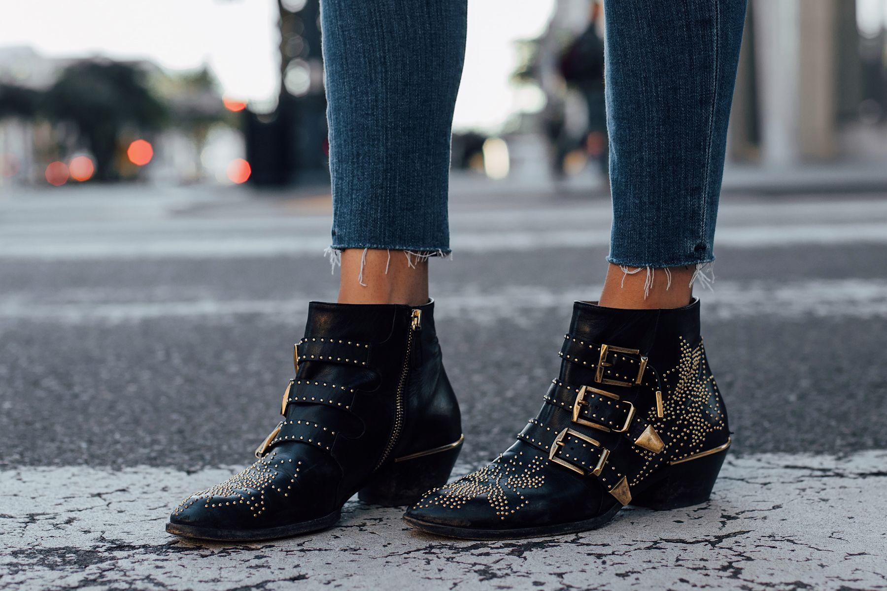 172d52ba Woman Wearing Chloe Susanna Black Booties Fashion Jackson San Diego ...