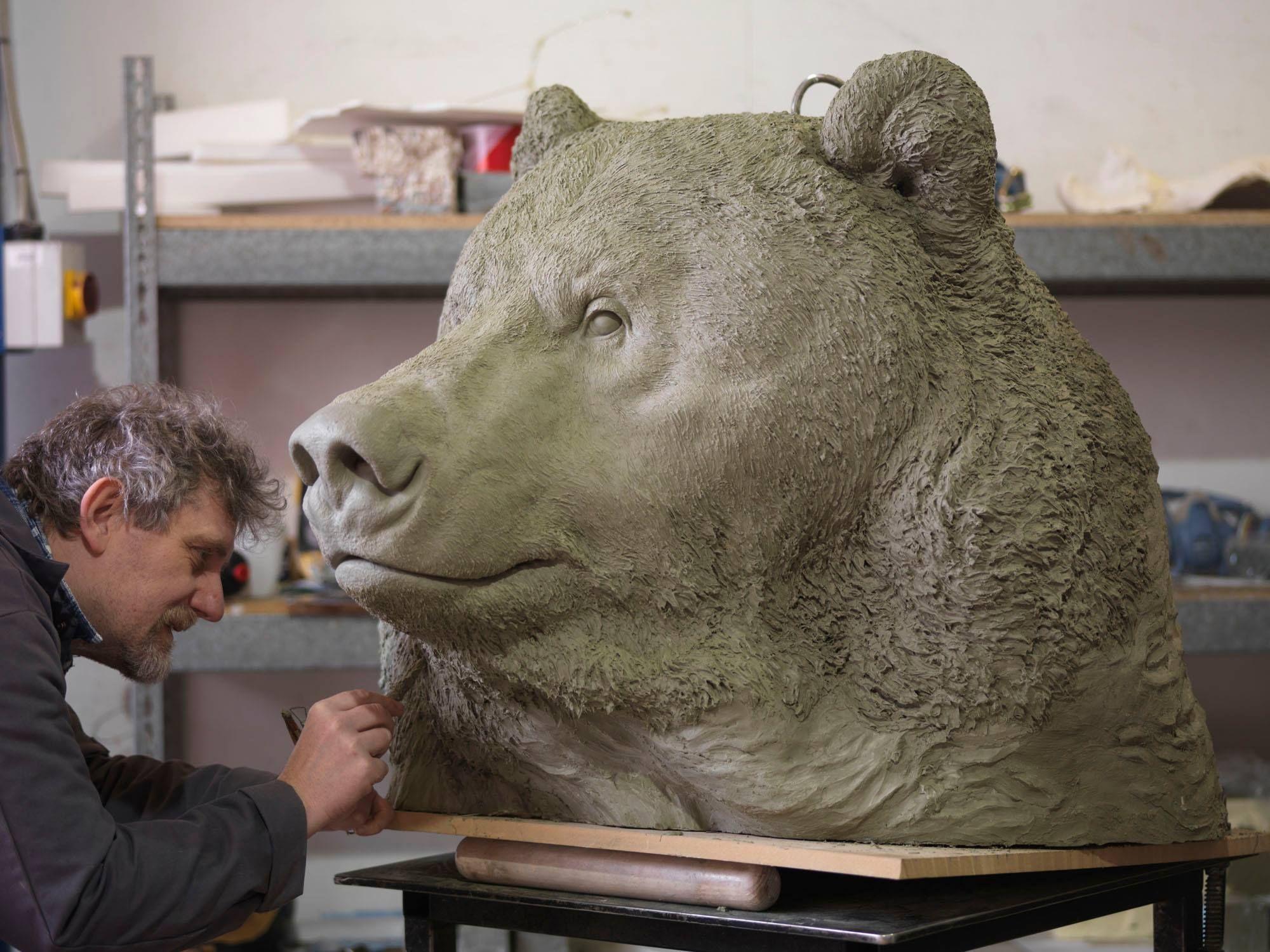 картинки скульптур медведя удивлению сотрудников