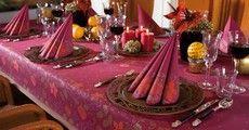 Weihnachtliche Tischdekoration mit Duni - Festive Spirit Bordeaux