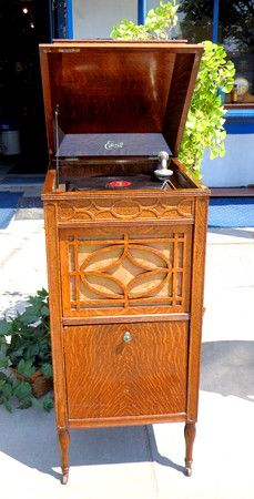 Rare 1915 Edison Model 150 Phonograph With Tiger Oak / Quarter Sawn Cabinet.  20 X