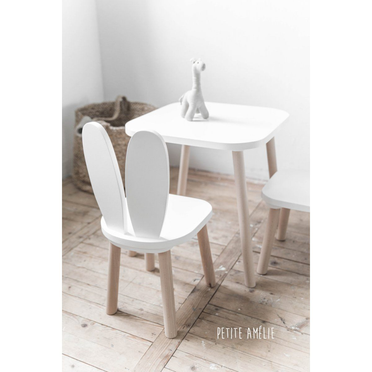 chaises et table enfant lapin blanc petite am lie chaise. Black Bedroom Furniture Sets. Home Design Ideas