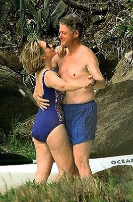 Dancing On The Beach Bill Clinton Hillary Were Captured Doing Dance Steps In Sand By A Hidden Photographer