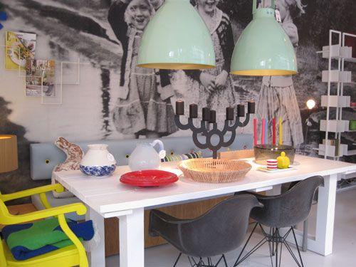 Depot Rotterdam: lampen boven de tafel