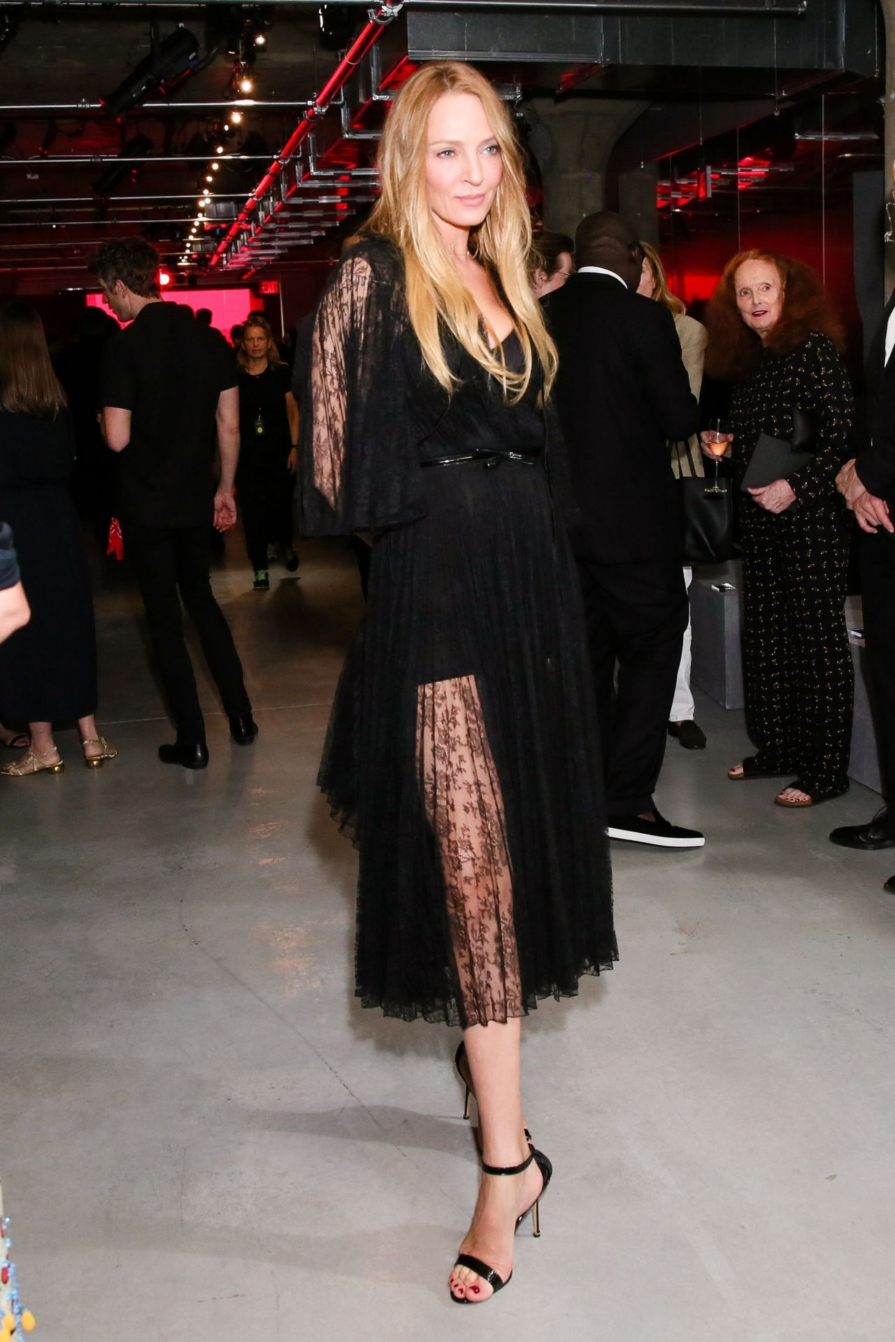 Uma Thurman Prada Resort 2019 Show In Nyc 05 04 2018 Uma Thurman Fashion Art Fashion