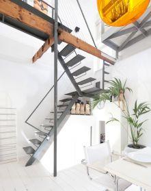 Quirky, Modern Split Level Open Plan Maisonette Flat With Roof Terrace.  White Decor.