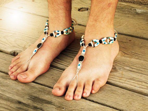 Mal de ojo los hombres sandalias pies descalzos 803c01d7699