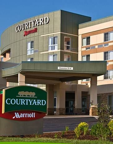 Courtyard By Marriott Houston Kingwood Texas This Hotel Offers Accommodation With An Outdoor Swimming Pool And Free Wi Fi