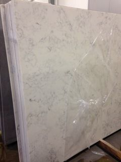 Trying To Decide Between Quartz And Granite Love The Shine Of Granite Superwhite But The Quartz Calcutta Grey Has A Much L Countertops Home Decor Design