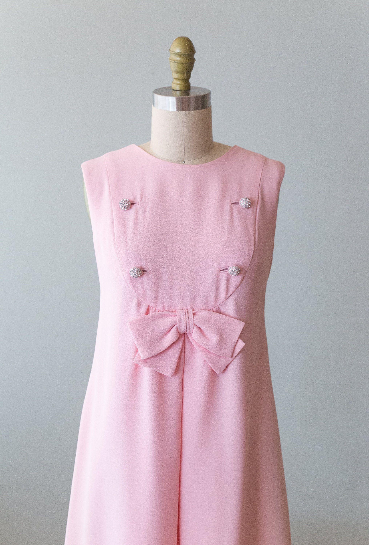 Vintage 1960s Dress 60s Pale Pink Mod Crepe Shift Dress With Etsy Vintage Dresses 1960s 1960s Shift Dress 1960 S Dress [ 3000 x 2031 Pixel ]