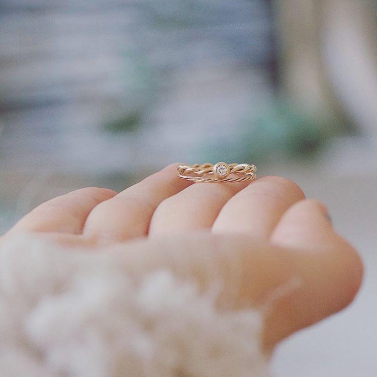 TWIRL AROUND — bespoke engagement ring by Michaela Roemer