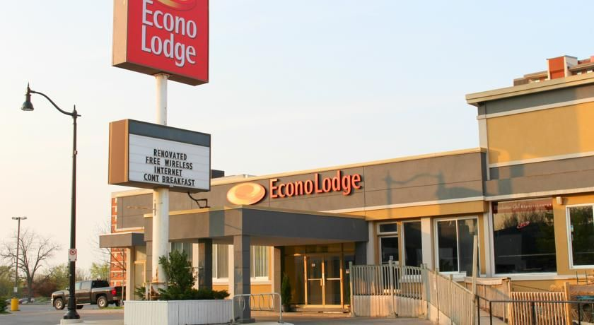 Econo Lodge City Centre Kingston Located Near Attractions Such As The Royal Military College This