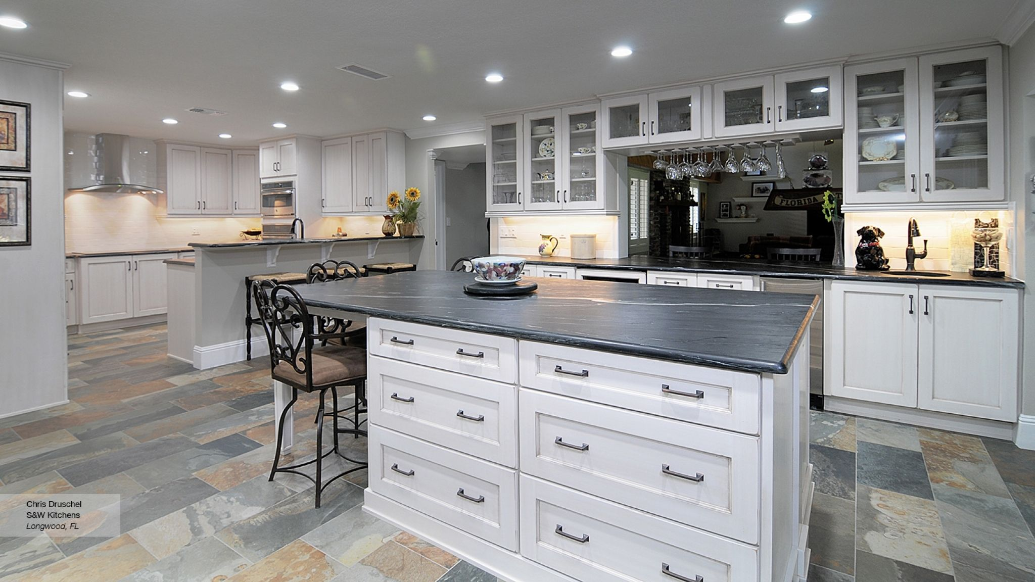 shaker style kitchen cabinets white - kitchen nook lighting ideas ...