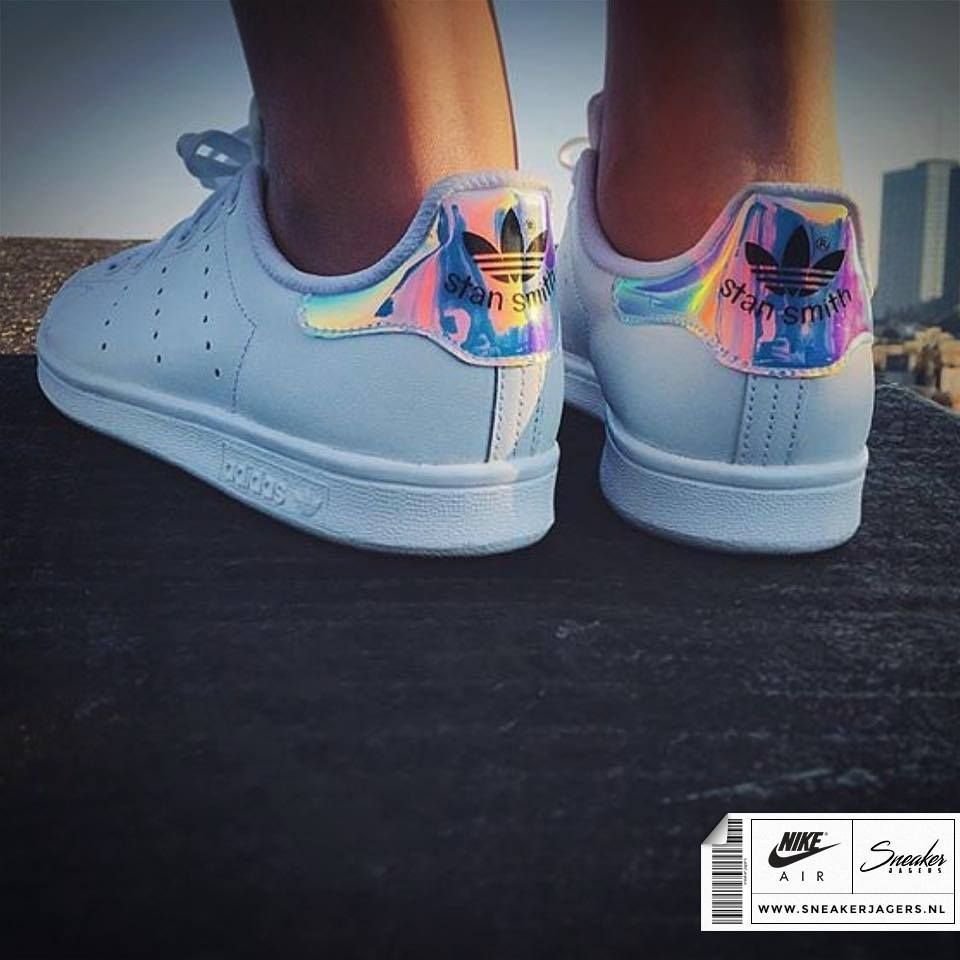 design intemporel 93d31 2679d Adidas Stan Smith Holographic | Styling tips | Adidas shoes ...