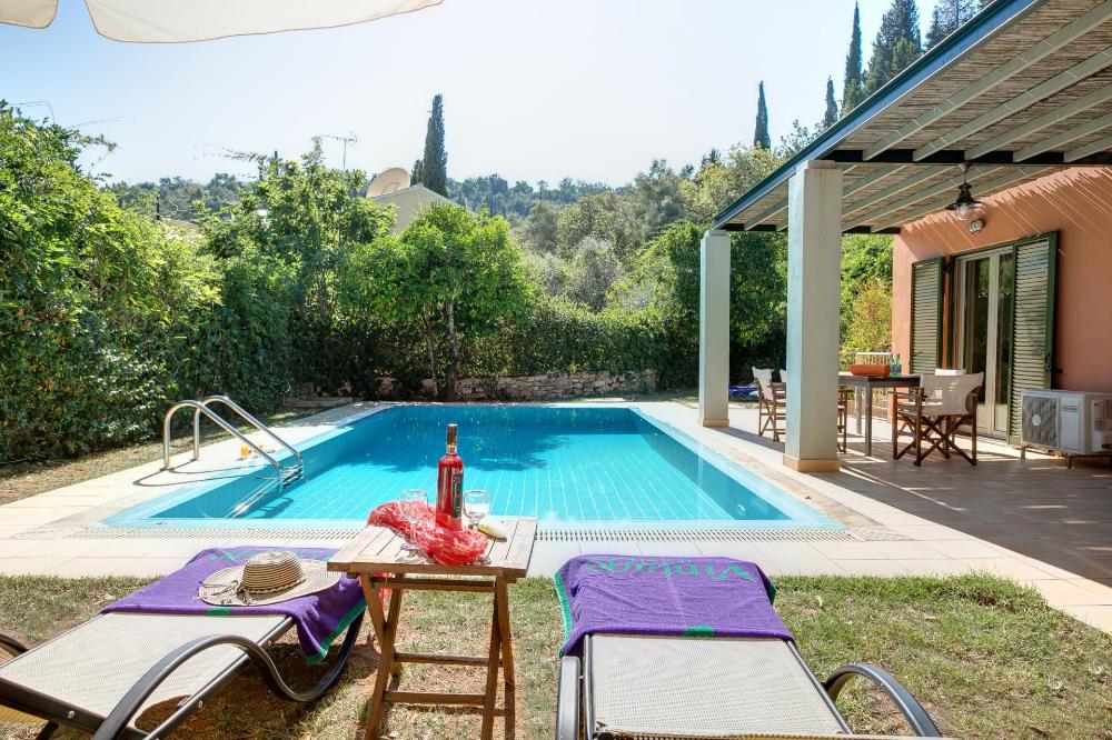 Niovi Villa in Kalami, Corfu, Greece Sleeps 8 Vintage