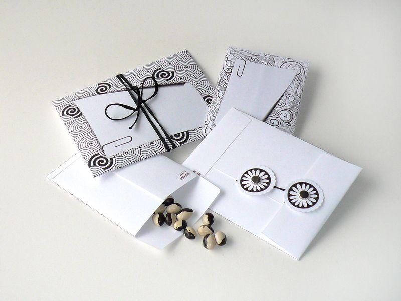 DIY Mini Umschläge Kuverts Verpackungen schwarz/w. von PapierSchereStoff auf DaWanda.com