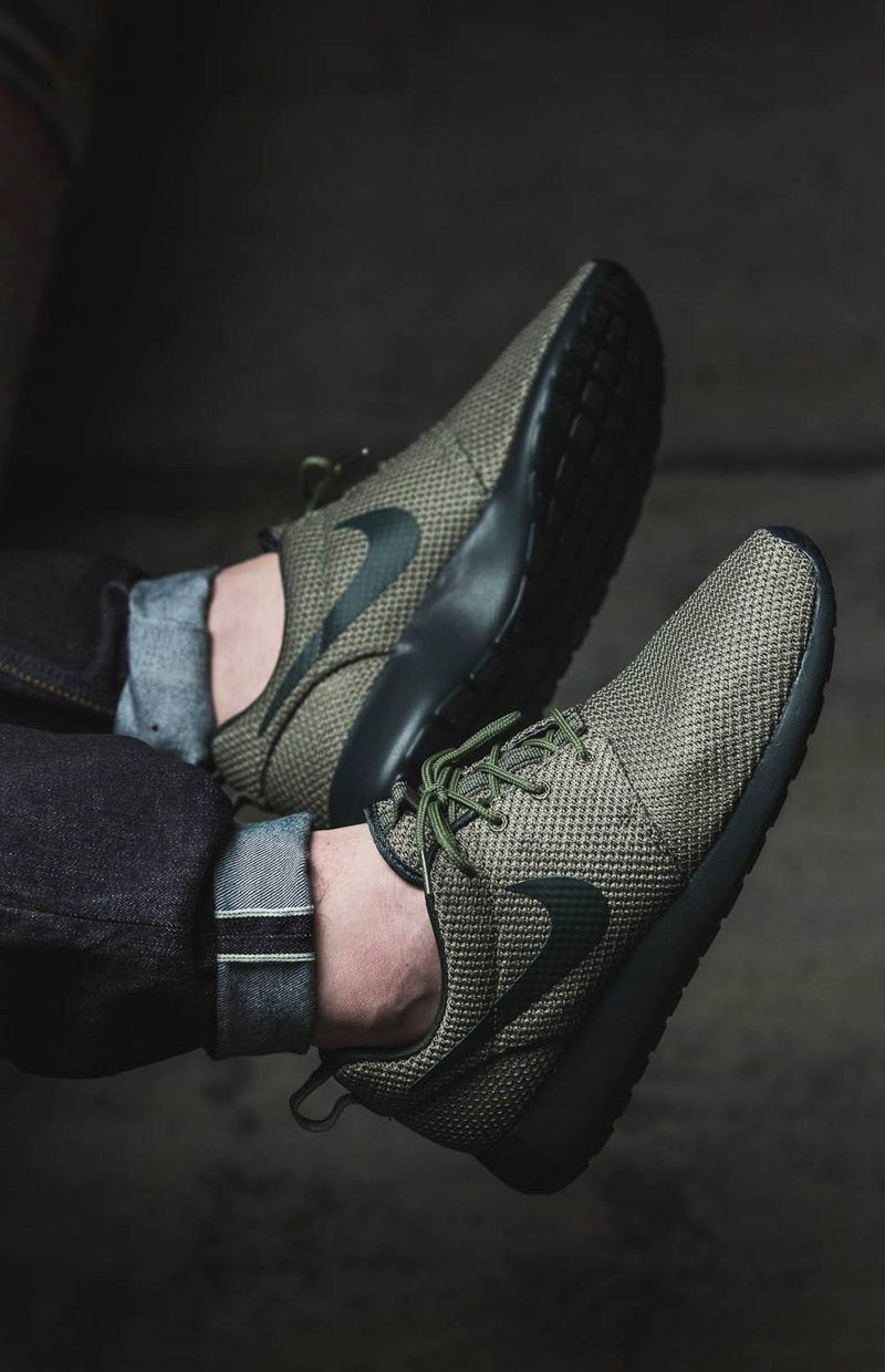 newest 54cb5 669a2 Black and olive green Roshe Runs paired with cuffed raw denim. -- Tags:  sneakers, Nike