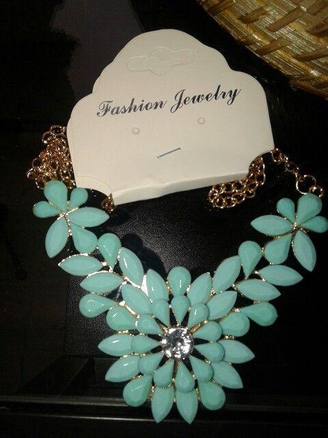 Trendy turqoise necklace