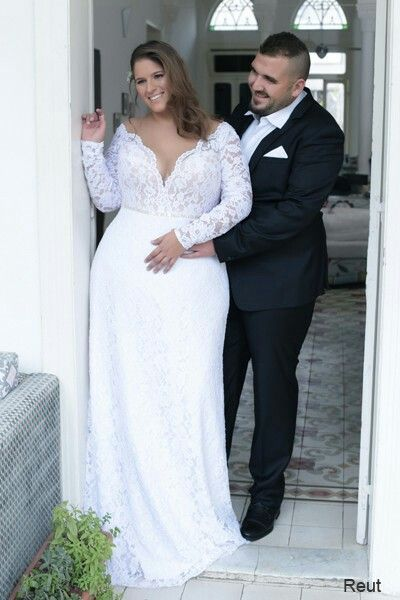 Lace Mermaid Corset Plus Size Wedding Gown With Sleeves Takes A Visual Size 3 Si Plus Wedding Dresses Long Sleeve Wedding Dress Lace Wedding Dress Long Sleeve