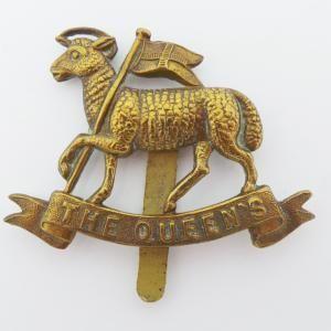 BRITISH ARMY QUEEN/'S ROYAL WEST SURREY REGIMENT CAP BADGE
