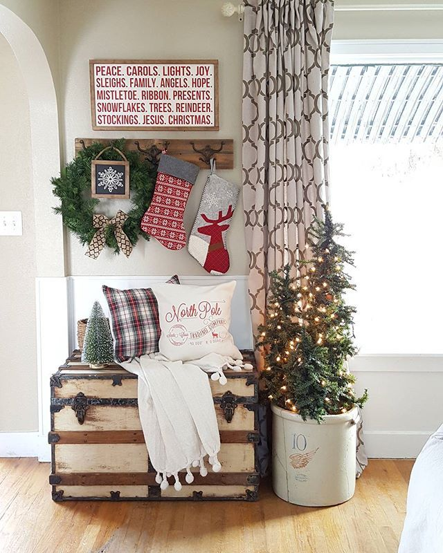 Entryway Styled Christmas Tree Up Closets Clean I Promise