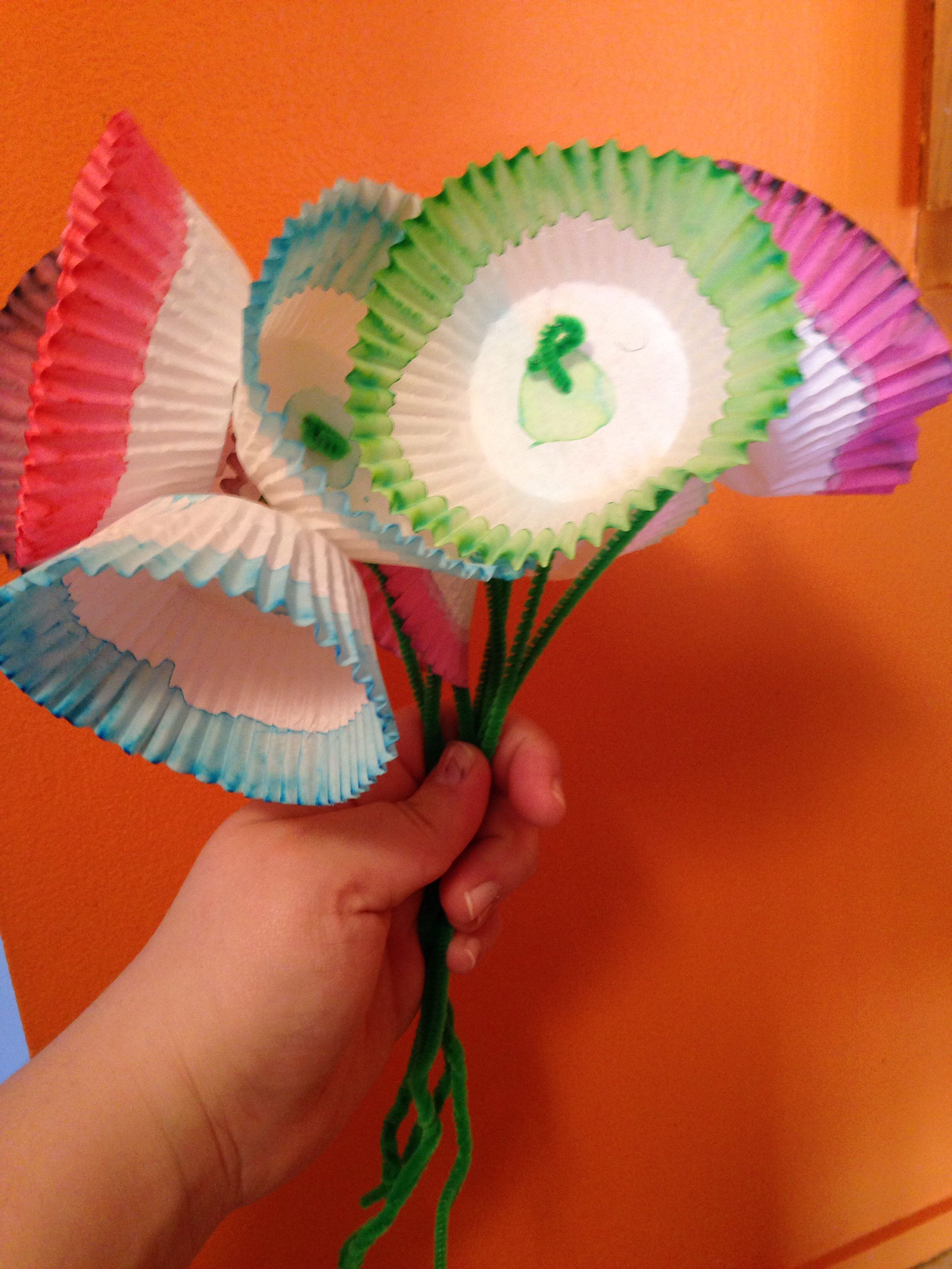 Flower bouquet craft - spring theme week crafts. Put different ...