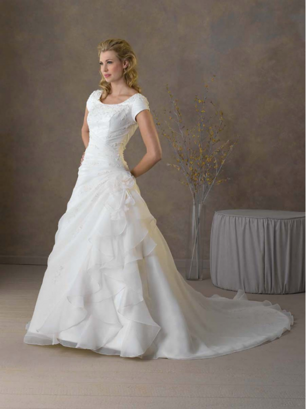 wedding-dresses-with-short-sleeves
