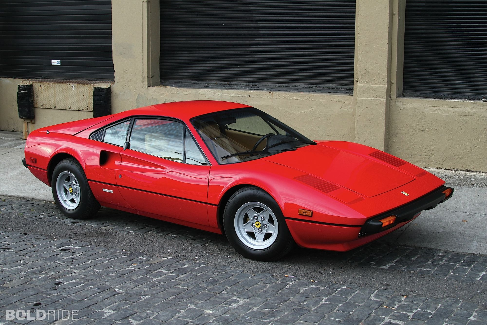 ferrari 308 gtb ferrari cars and car buying guide. Black Bedroom Furniture Sets. Home Design Ideas