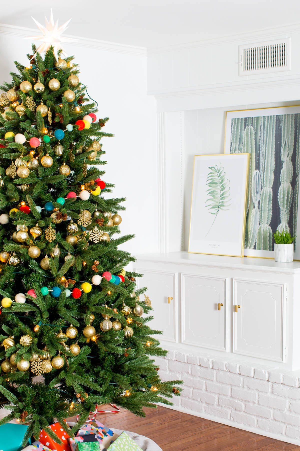 The Holiday Living Room Makeover we Gifted with Lowe\'s | Christmas ...