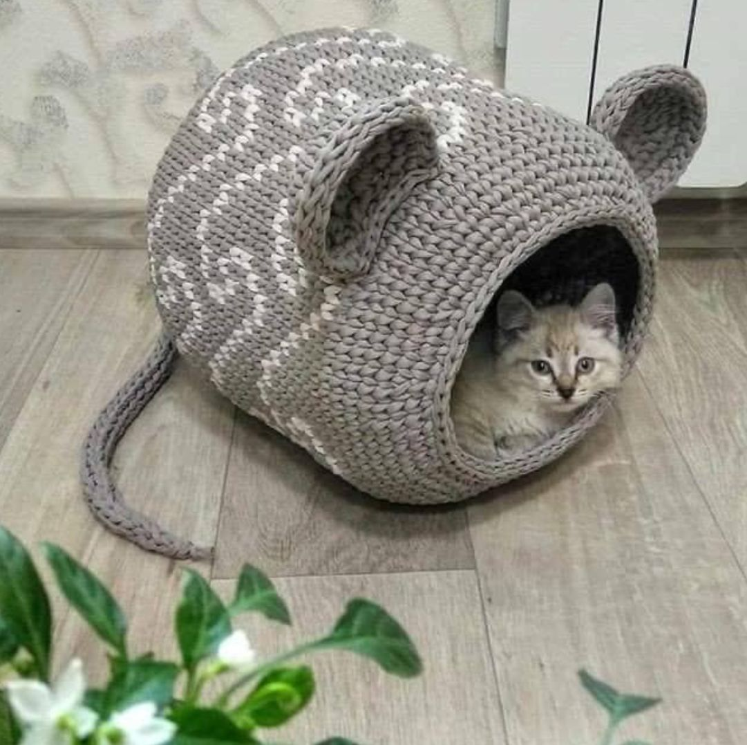 Pin by Tae's Place on Knit Toys in 2020 | Crochet cat bed ...