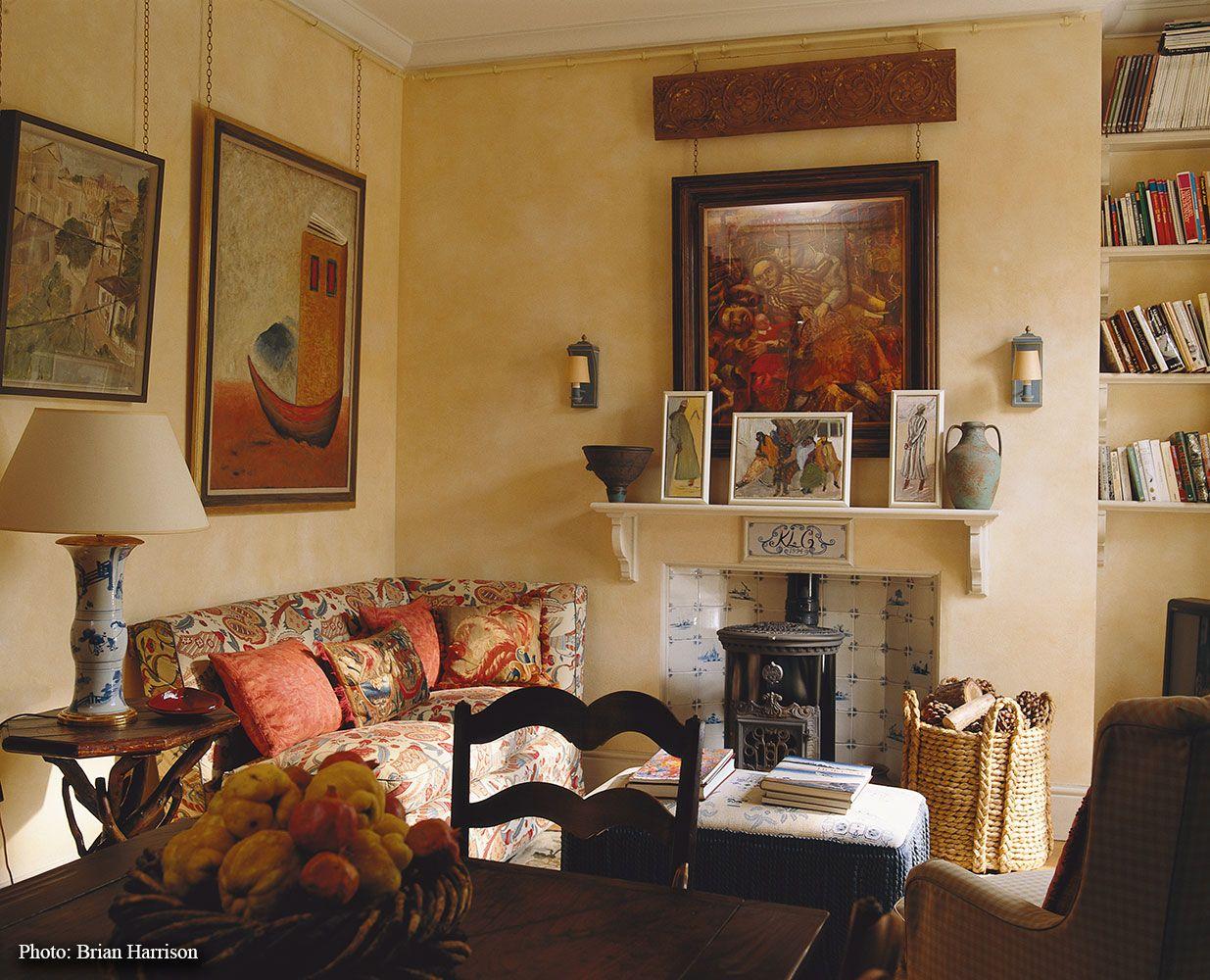Love the little stove sibyl colefax john fowler for John stefanidis interior design