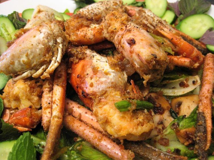 Garlic prawns salad tom cang kho nuoc dua prawn salad