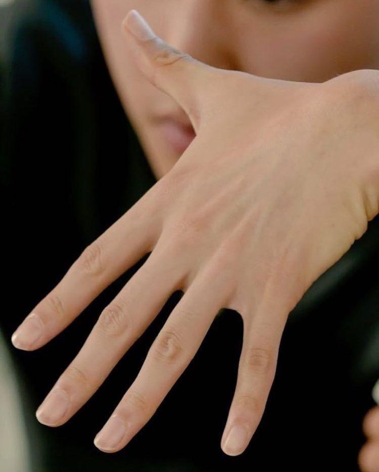 Baekhyun S Hands Are One Of My Aesthetics Tbh Baekhyun Beautiful Hands Exo Baekhyun