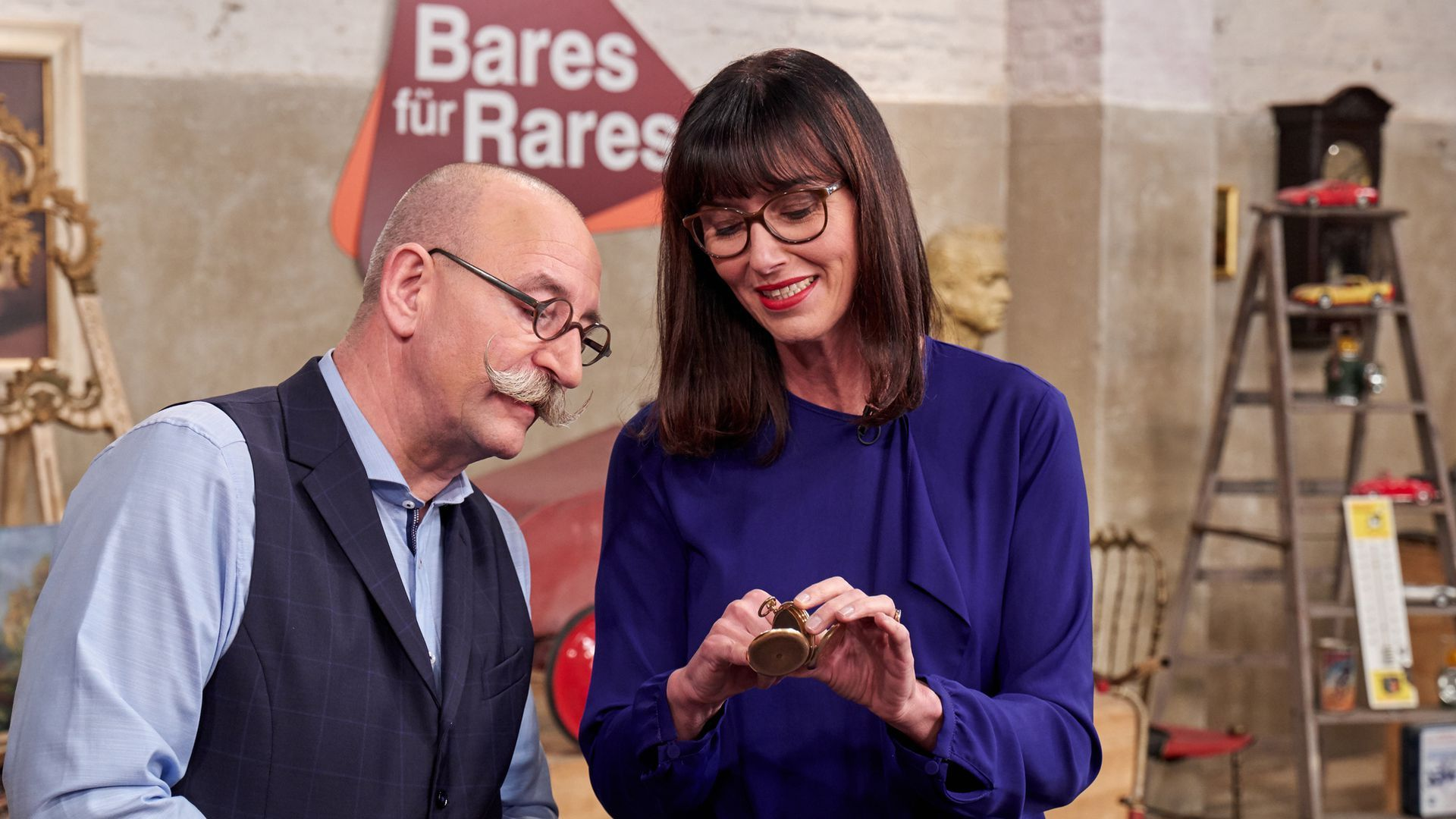 Absolutes Schatzchen Bares Fur Rares Expertin Hin Weg In 2020 Bares Fur Rares Charlene Von Monaco Teilnehmer