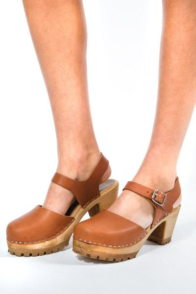 284eb588801d MIA Abba Leather Clog Clog Sandals