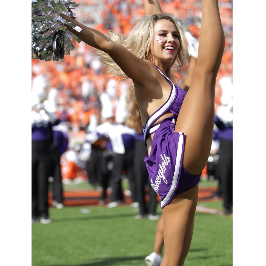 taylor-college-cheerleaders-blonde-cassidy