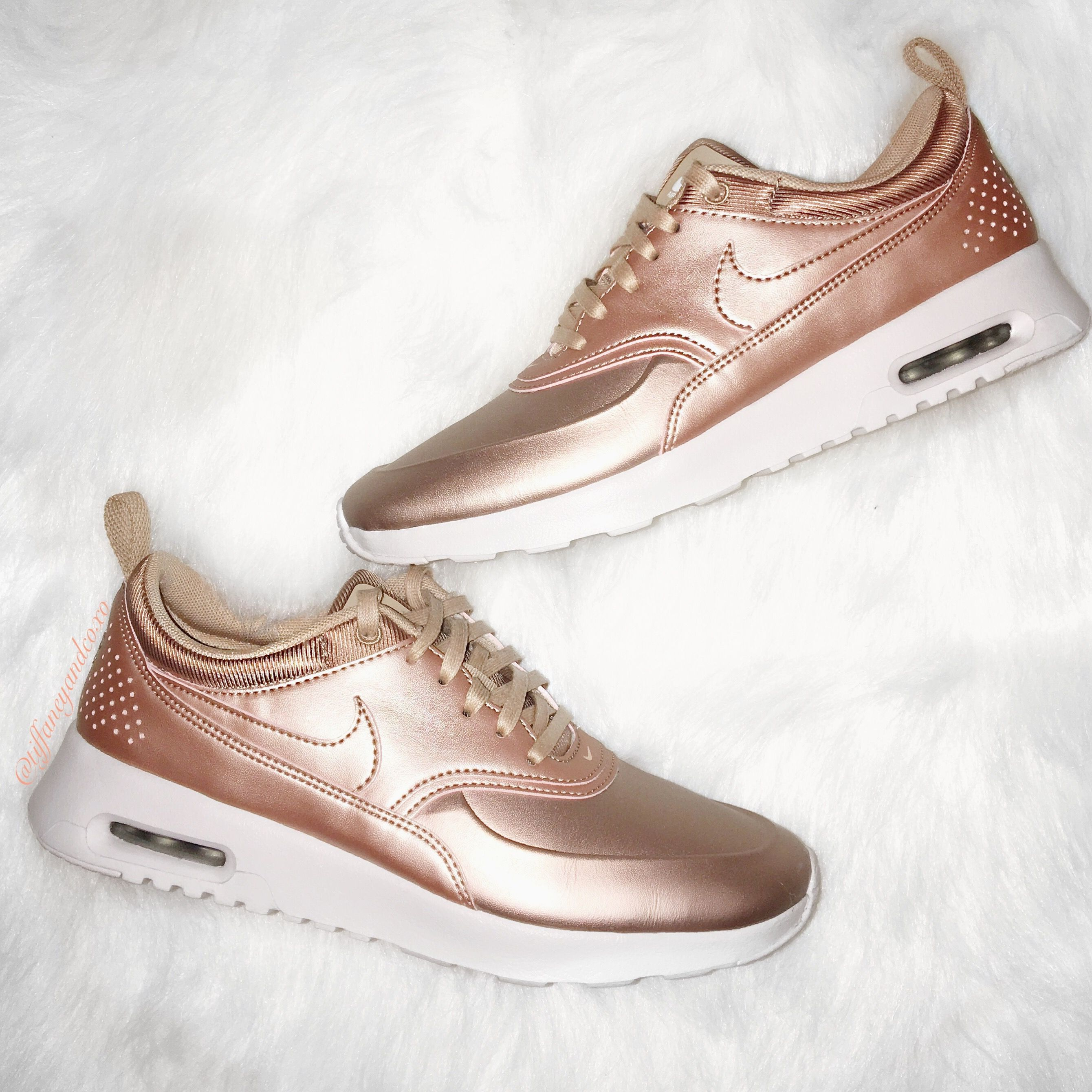 Nike Air Max Thea SE in Red Bronze