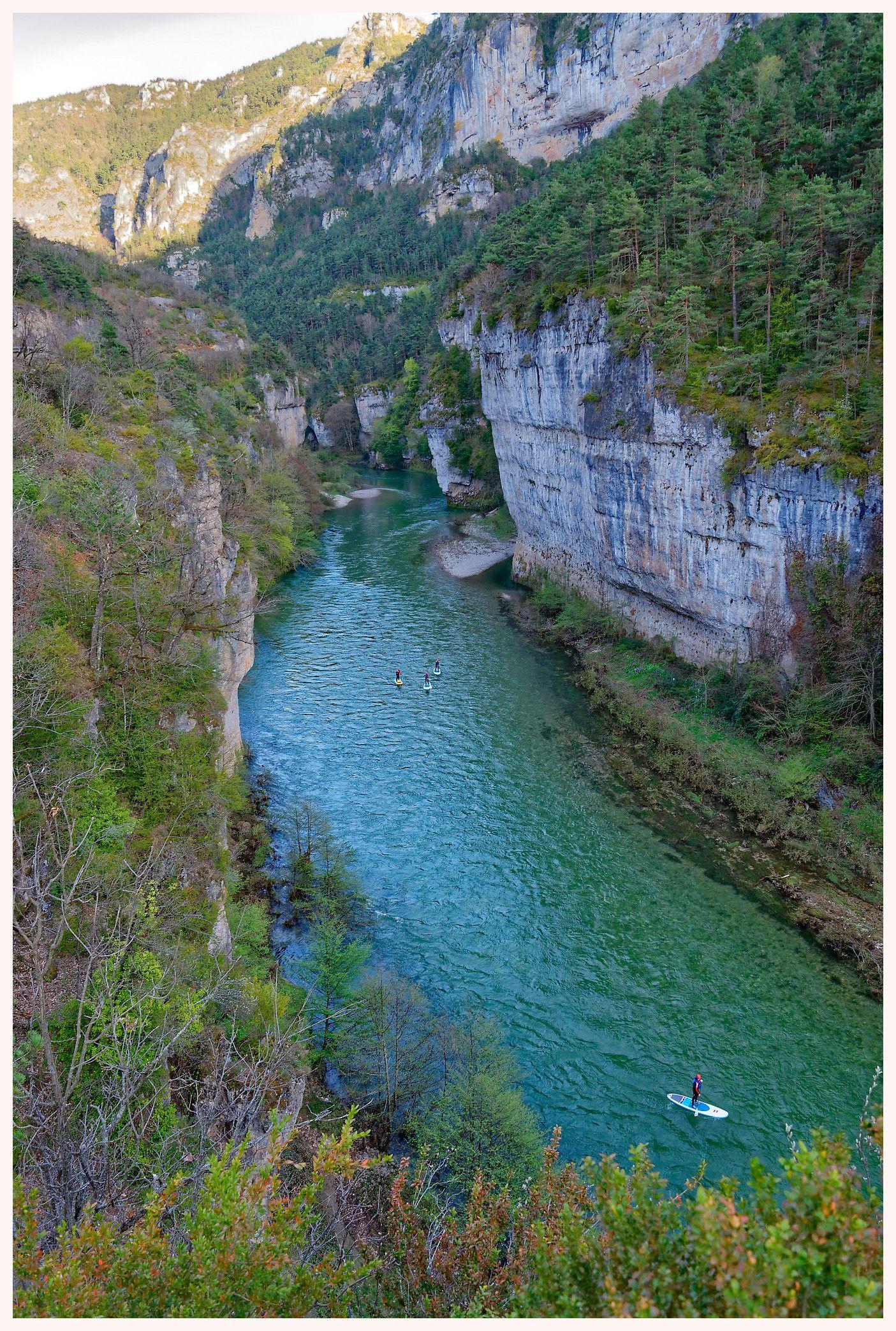 Voyage En Lozere Dans Les Gorges Du Tarn Les Causses Et Les Cevennes Gorge Du Tarn Paysage Touristique Lozere