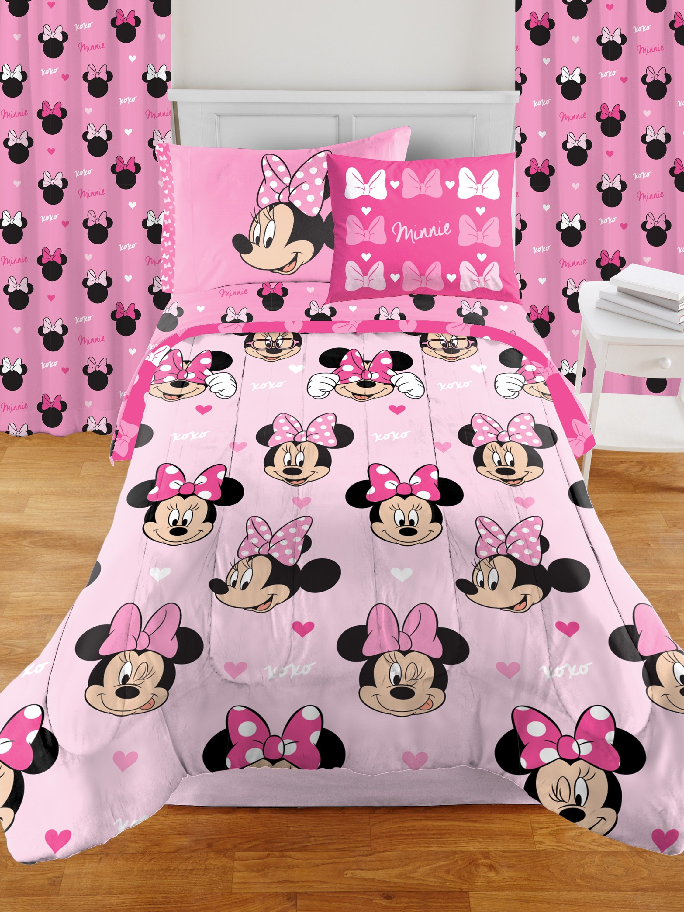 Minnie Mouse Room In A Box Set Includes Bedding Set And Drapes Walmart Com Minnie Mouse Room Decor Full Bedding Sets Minnie Mouse Bedroom