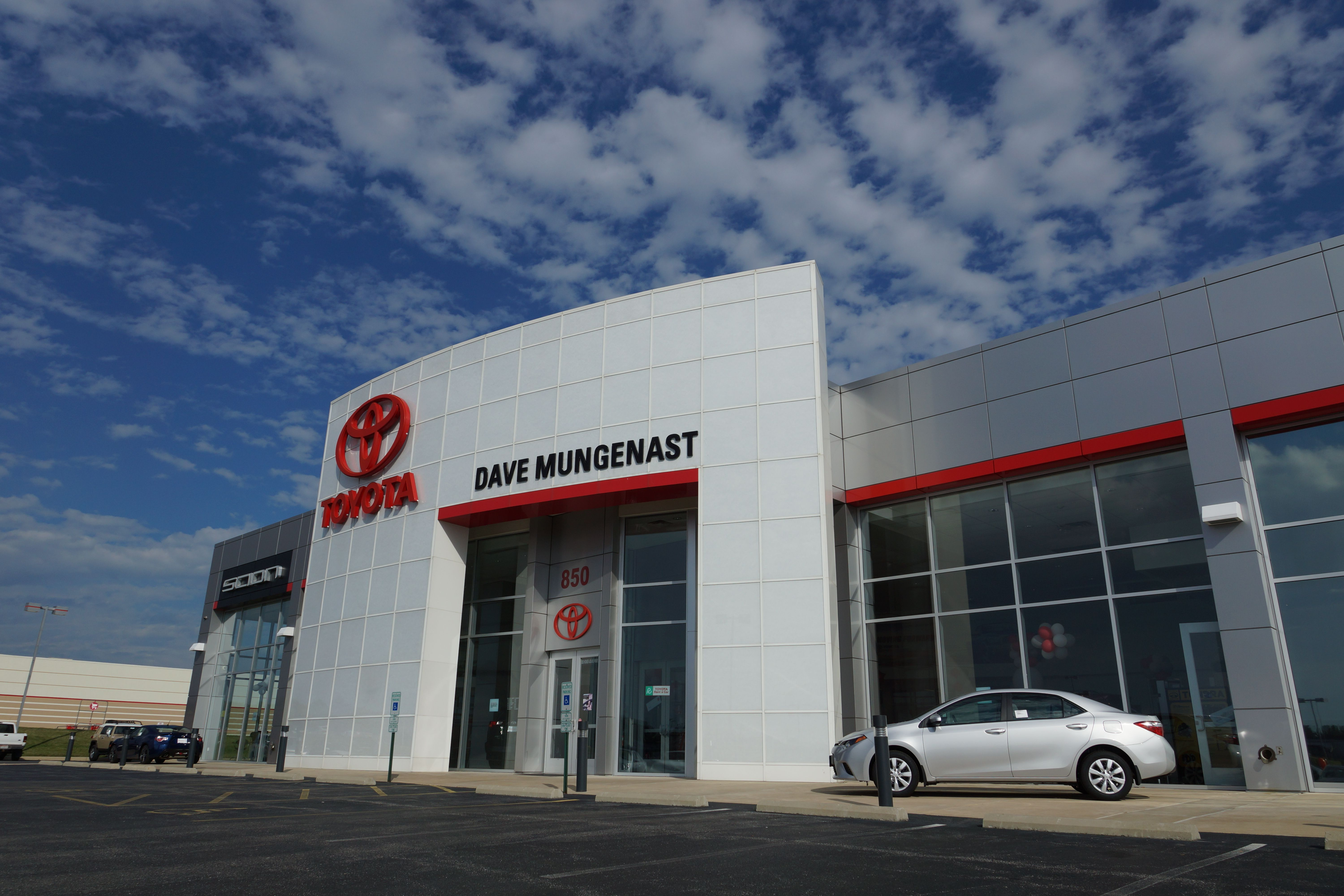 What Makes Our Dealership Different Click To Learn More About Alton Toyota Toyota Dealers Toyota Car Dealer