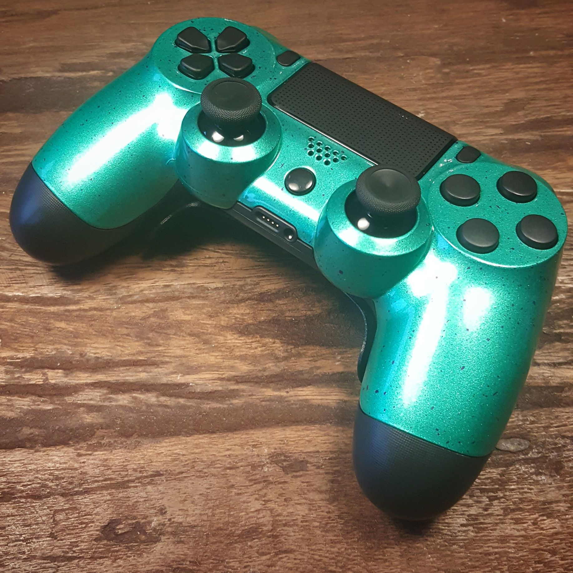 Ps4 Controllers With Green Custom Paint And Shock Paddles 2 0 Ps4 Controller Gamer Setup Xbox One Controller