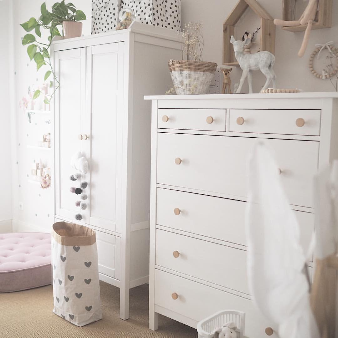 Kinderzimmer Inspiration Kleiderschrank altrosa weiß